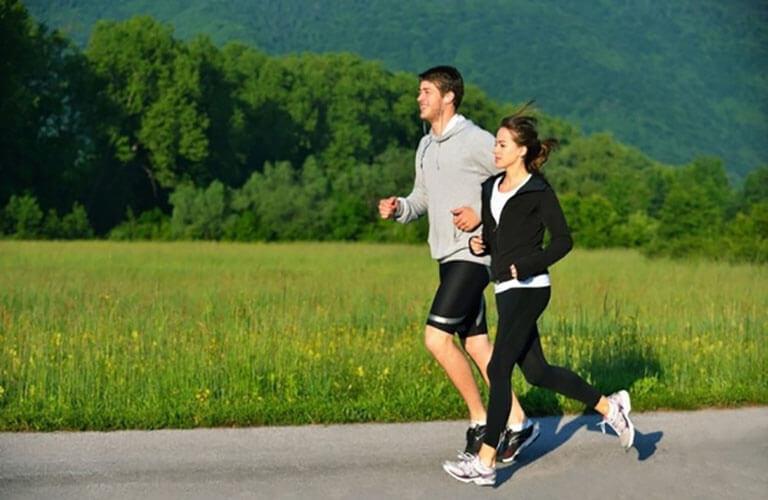 Có lối sống lành mạnh, thường xuyên tập luyện thể thao để nâng cao sức khỏe.
