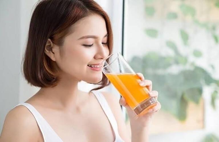 Không nên dùng thuốc kích dục nữ Super D chung với các đồ uống có vị chua như cam, chanh, tắc