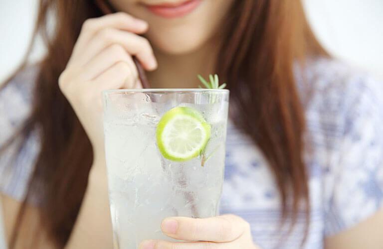 Khi dùng thuốc kích dục nữ Yoshiwara thì không nên sử dụng các loại đồ uống chua như cam, chanh, tắc có thể làm thuốc mất tác dụng