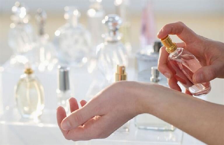 Lưu ý dùng nước hoa kích dục nữ