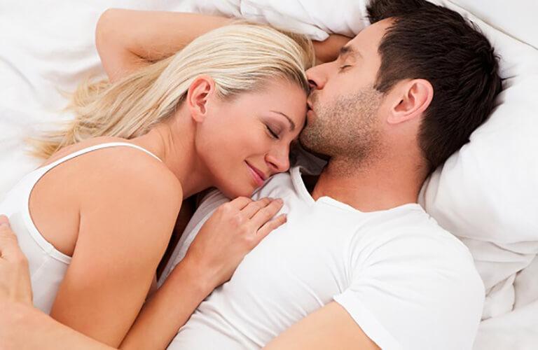 Nước hoa kích dục Covertly Kiss hỗ trợ tình dục giúp đời sống vợ chống cải thiện sự nhàm chán trong quan hệ tình dục, từ đó thấu hiểu và hạnh phúc hơn