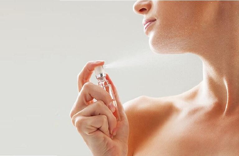 Lưu ý khi dùng nước hoa kích dục nữ QuickSand