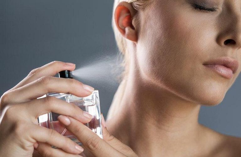 Lưu ý khi dùng nước hoa